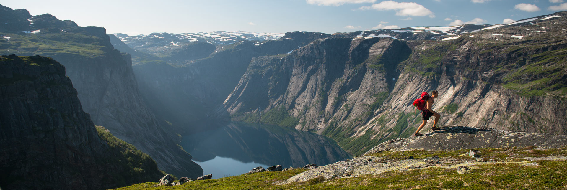 On the way back from Trolltunga