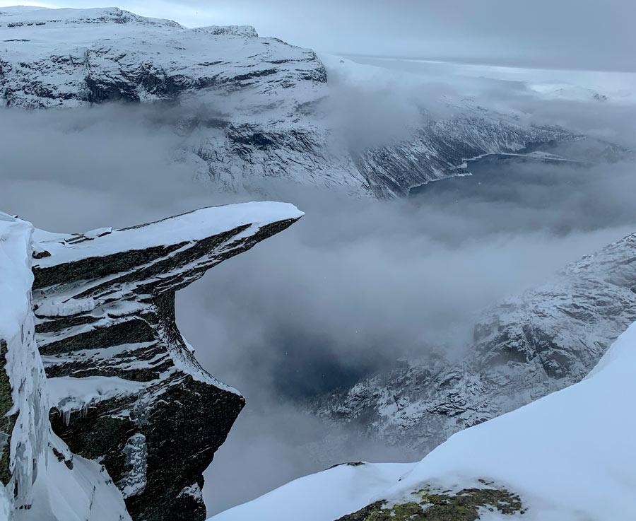 Trolltunga covered in snow